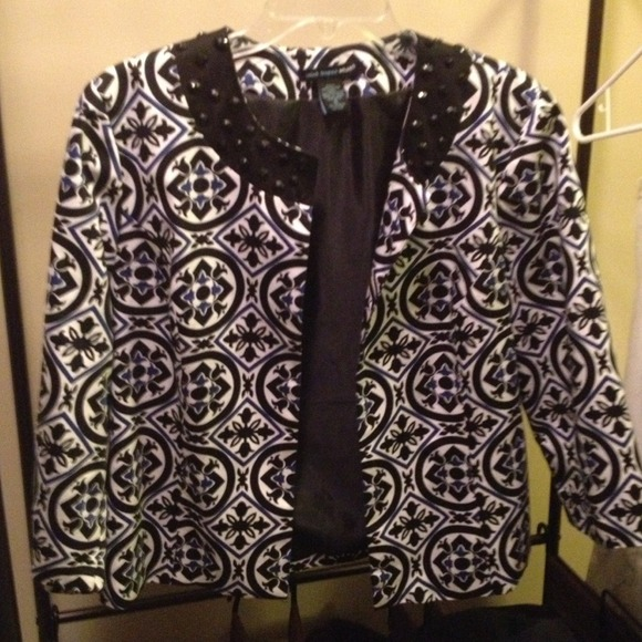 Jackets & Blazers - Crop Style Jacket with embellishments