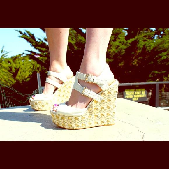 (Reduced) Nine West- Gladiator Sandals