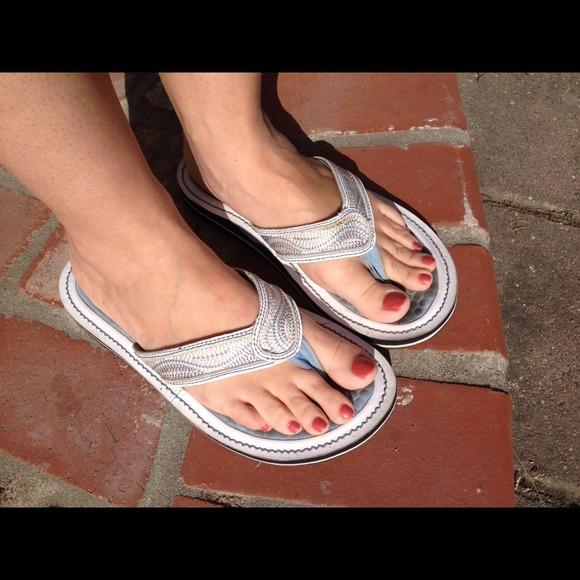 clarks privo penny flip flops
