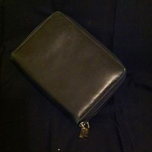 Ladies double zippered simple black wallet