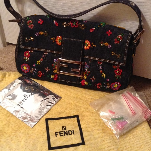 03952edb0c2 FENDI Bags   Vintage Baguette Authentic And Gorgeous   Poshmark