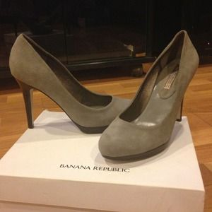 Banana Republic Smoke (grey) Suede Pumps.