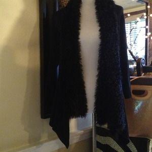 Sweaters - Black open 3/4 sleeve w/ uneven sides fingertip