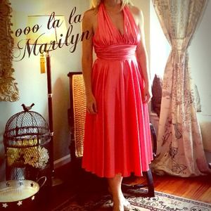 HOST PIC8/7 Marilyn Monroe style party dress
