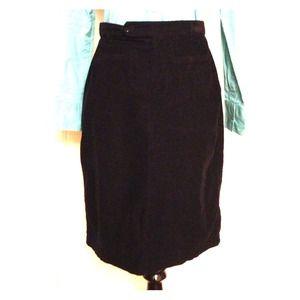 ✨ Micro-corduroy pencil skirt