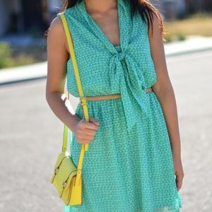 Forever 21 Dresses & Skirts - New Dark Mint Green Yellow Tie Print Dress