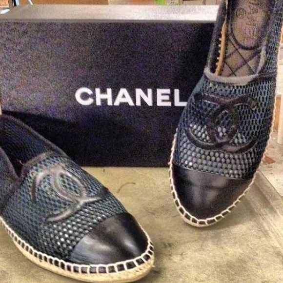 13% off CHANEL Shoes - Chanel signature flats from Shyna's ...
