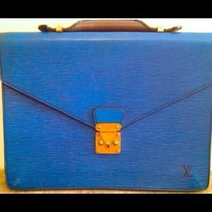 Louis Vuitton Briefcase!! Rare color