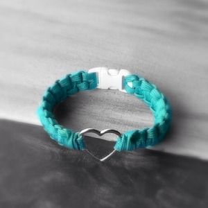 Jewelry - Paracord Charm Bracelet