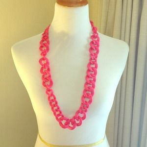 Hot Pink BaubleBar Crayola Links Necklace