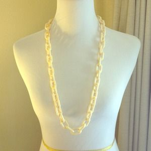 Target Jewelry - Cream Chunky Acrylic Link Necklace