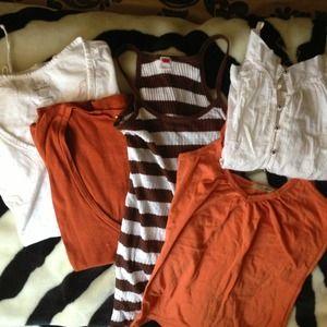 Tops - Tshirt bundle! 2 tank tops. 1 flowy top & 2 tops