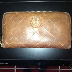 ReducedAuthentic Tory Burch Wallet