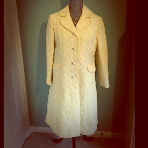 Vintage Betty Rose embroidered yellow Coat Small