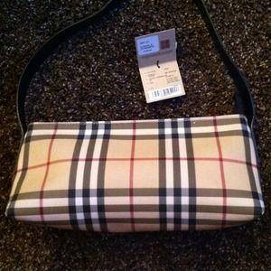 Burberry Handbags - !Make a offer !!?100% Authentic Burberry Nova