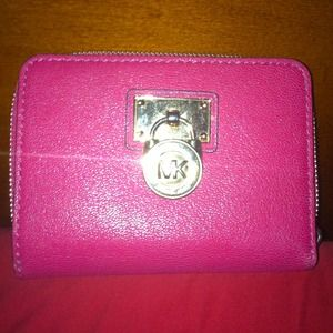 REDUCED AGAINNew Michael Kors Wallet