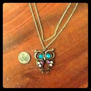 Jewelry - Cute blingy owl necklace