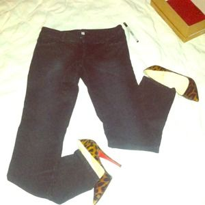 Perfect fitting Alice & Olivia skinny pants!