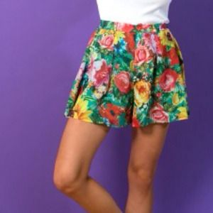 Joyrich Dresses & Skirts - The Sunrise Blossom Afternoon Skort in Green