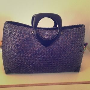 Summer Bag! Woven bag with wooden handles