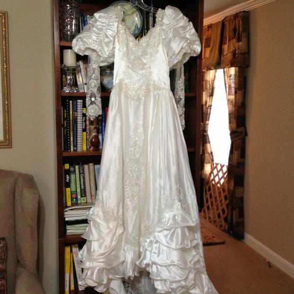 San-Martin International Bridal Dresses | Beautiful Wedding Gown ...