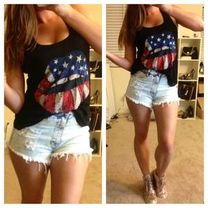 Tops - LAST ONE!! Americana Lips Top