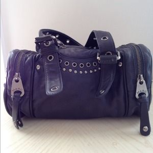 Marc Jacobs Bags - PRICE REDUCED ⬇ Rare Marc Jacobs bag