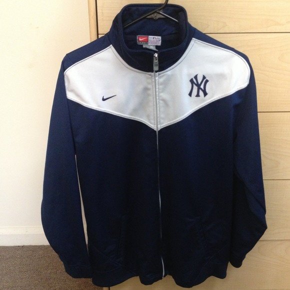 fd611b7e8b6d Nike NY Yankees jacket. M 5186c24e82fe0606bd0320fb