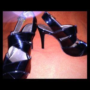 Shoes - Gorgeous Black heels