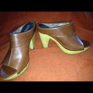 Shoes - Nice mules/clogs