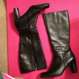 Boots - GUC Naturalizer all leather  Black Boots!:)