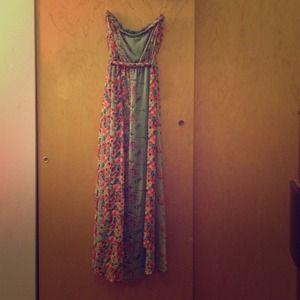 Alice Moon Dresses & Skirts - Gorgeous floral maxi dress