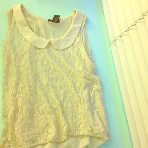 Tops - ♻️🚫TRADED🚫♻️Pretty white lace shirt