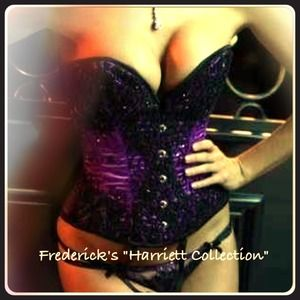 Frederick's of Hollywood Other - SEXXXXAY!! Frederick's of Hollywood beaded corset