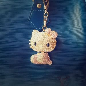 🌺✨Bling Bling Hello Kitty Keychain✨🌺