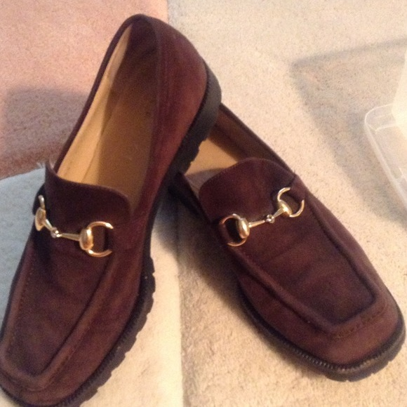 bd9940f27d4 Gucci Shoes - Authentic Brown Suede GUCCI LOAFERS!