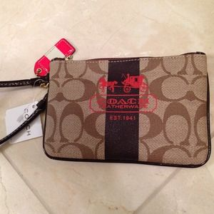 REDUCED❗️Coach Classic Wristlet - Red Detail