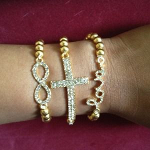 Jewelry - Gold beads arm candy