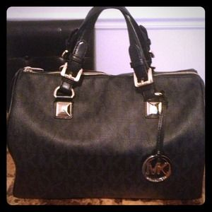 Authentic Michael Kors Black Grayson