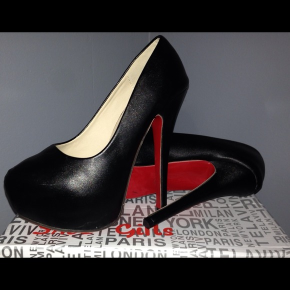 big sale a644d c984a Black NIB Red Bottom Heels