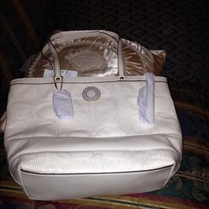 Auth Coach Leather Bag. Brand New