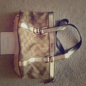 Vintage signature Gucci handbag