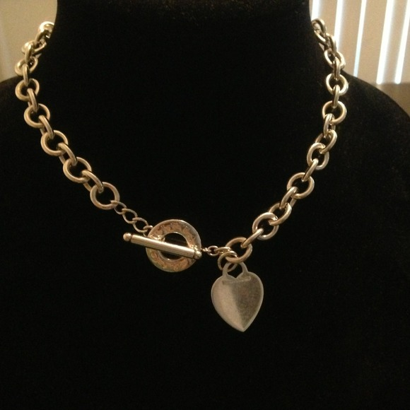 5d7843445e0e Return to Tiffany Heart Tag Toggle necklace. M 518ba9cbbb01a8304f00fa5a