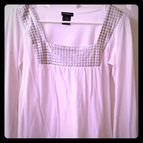 Tops - White long sleeve top