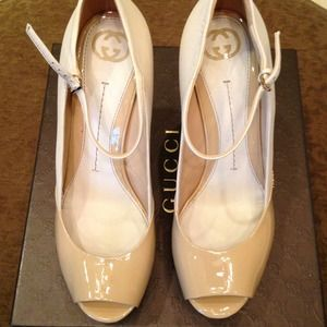 🍭🍭HOST  PICK Gucci Vernice Size 40 /10 Cream NWT