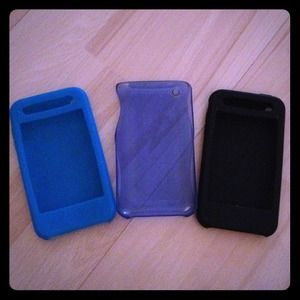 3 iPod cases! In VERY good condition.