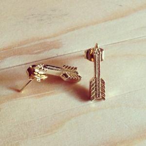 Jewelry - Arrow earrings