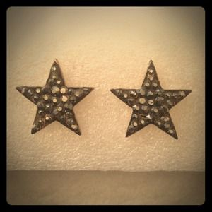 Gunmetal Star rhinestones Studs Earrings