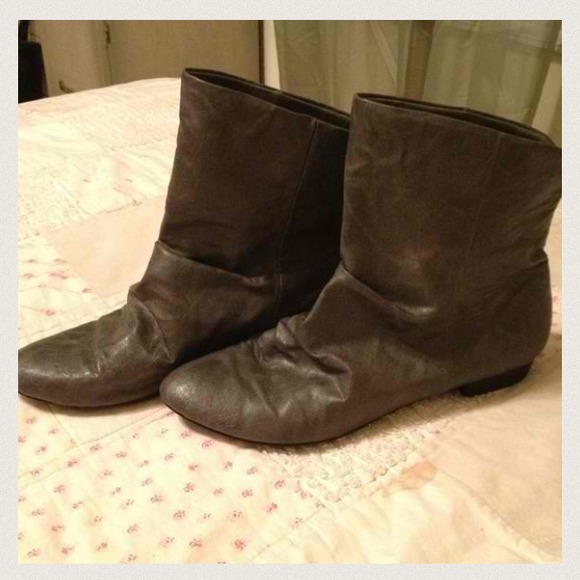 american eagle bundled gray slouch ankle boots from