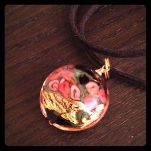 Jewelry - Glass pendant necklace